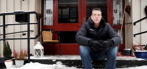 HARDTLIV:Erik Formofetten (44) frå Otta har levd eit hardt liv med mykje rusproblem. Nå er han edru og går i sjølvhjelpsgruppe.