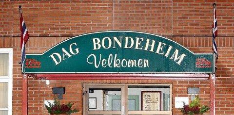 BLE NEKTET: Tor André Meyer Nilsen og samboeren mener de ble nektet å leie et dobbeltrom på Dag Bondeheim i Skien fordi de er homofile.