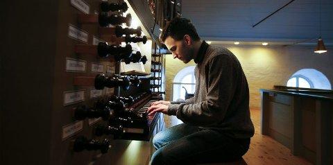 Domkantor Øystein Jæger er inne i sitt andre år som kunstnerisk leder for Bodø Internasjonale Orgelfestival. Han lover en rekke store internasjonale navn, pluss en del lokale godbiter. Festivalen starter mandag 25. da Jæger har orgelkonsert i Rønvik kirke.