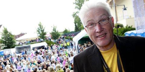 UNNTAKSTILSTAND: Jimmy Joccumsen har vært i front for Jessheimdagene med flere titalls utekonserter. Han tror klagene hadde kommet dersom det hadde vært utekonserter på Jessheim hver helg.