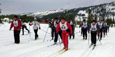ØKNING: Arrangørene av Hjartfjellrennet opplevde stor økning av aktive løpere i fjor. Hele 72 sto på startstreken. Om en måneds tid starter trimkarusellen i Vefsn. (Foto: Per Vikan)