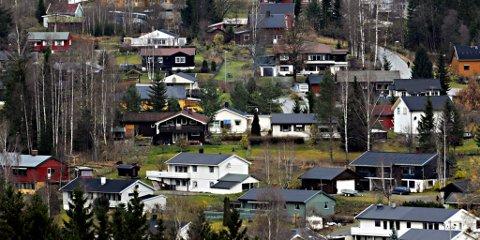 BEVARINGSVERDIGE?: Maihaugen ønsker å kjøpe nyere bolighus i Gudbrandsdalen og flytte dem inn i en ny etterkrigsavdeling i museet. Vårt bilde er fra et typisk boligfelt i Follebu. Illustrasjonsfoto: Torbjørn Olsen