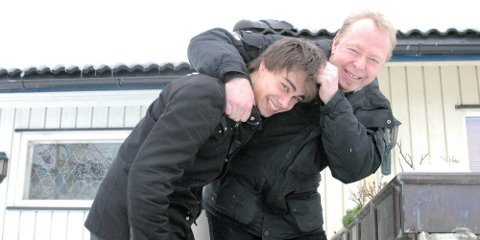 Ansvarlig for The Official Alexander Rybak Fan Club på Facebook og MGP-stjernas nabo og venn Kjell Arild Tiltnes har lyktes med å få til et reisetilbud til Alexander Rybak-fansen. Foto: Ann-Turi Ford