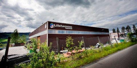 Velferdskassa ved teknisk drift i Industrigata fikk påfyll fra salg av kommunale biler, en traktor og diverse redskap.