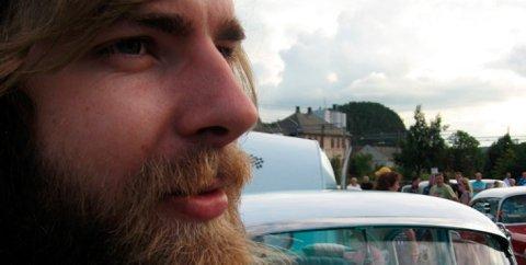Tegneren Sverre Malling flytter inn på Ringsveen 1. september.