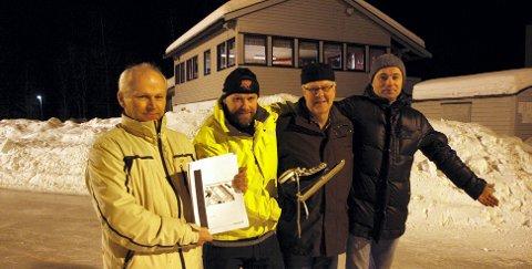 ? VI HAR PLASS: Trond Løvstad (fra venstre), Ole Hermann Sørli, Bjarne Jevne og Arvid Lysø ønsker å samle isidretten på Holt. ? Her er det plass nok til flere ting, mener de.