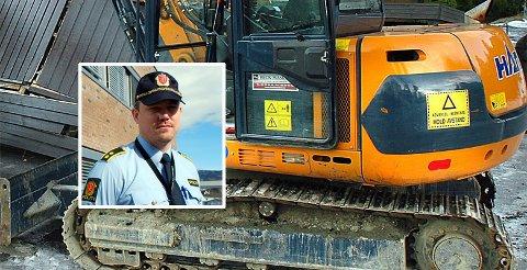 ANLEGGSMASKINER: Det er stjålet flere anleggsmaskiner den siste tiden. Politiet har spor å gå etter, bekrefter politioverbetjent Tommy Østland. Gravemaskinen på bildet er ikke direkte tilknyttet saken.