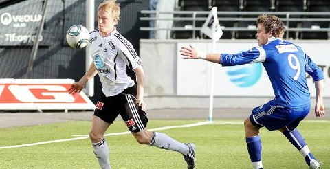 SELGES: Kun papirarbeid gjenstår før Odd har solgt Erik Midtgarden til FC Flora Tallinn. 23-åringen blir deretter Vitesse-spiller 1. januar. Odd får 320 000 kroner for Gulset-gutten, som hadde det hektisk med mange telefonsamtaler i går.