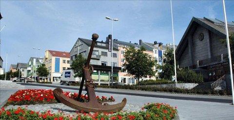Ankeret i Kaibakken var opprinnelig hovedanker i seilskuta «Stella» som forliste ved Lyngværet på Smøla i 1911.