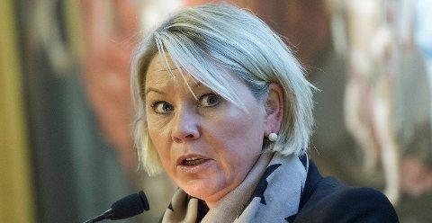 Byrådsleder Monica Mæland mener Lysbakken bør fokusere på å få fortgang i Bybaneutbyggingen fremfor å kritisere byrådet i Bergen.