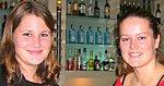 I sted var det en mann som sa han ville male oss naken, flirer Jeanette Pletten (t.v) og Trine Kversøy i baren på T-24.
