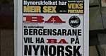 Bergen målungdom krevde nynorsk i BA og hengte opp sin egen BA-forside på BA-huset (09.03.2006).