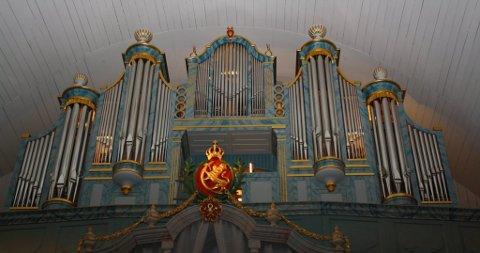 FANTASTISK LYD:  Alle disse pipene  formidler fantastisk lyd ut i kirkerommet.