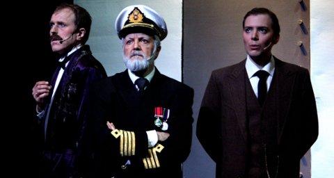 Eier Bruce Ismay (Johan Meyer) til venstre, Kaptein Edward J.Smith (Sven Torneberg) og Konstruktør Thomas Andrews Jr. (Andreas A.Iversen).