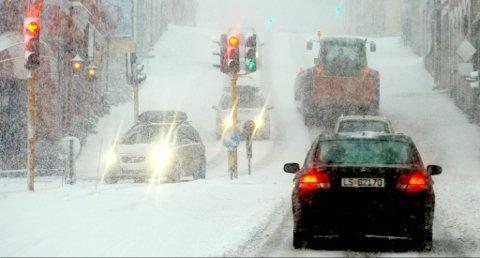 SNØ: Mange vil trolig få seg en overraskelse lørdag morgen skal vi tro meteorologen. Det ventes snø natt til lørdag.