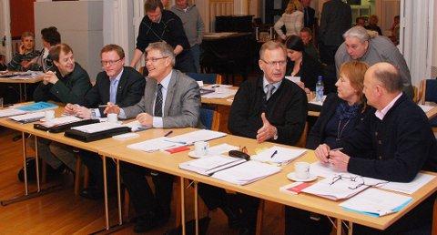 Bystyret skal ta stilling til om det vil gå for utredning av en ny kommunestruktur.