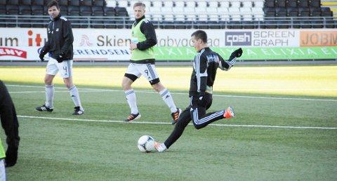 MÅ HAN SCORE MÅLENE? Dag-Eilev Fagermo mener Odd trenger en type som Herolind Shala på banen. 20-åringen er tilbake fra start mot Hønefoss - og kanskje er det Shala som må score målene for Odd.