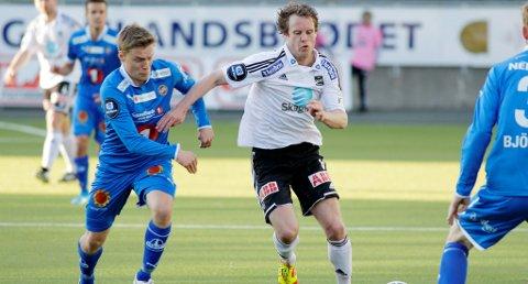 KAN FORSVINNE: Simen Brenne snakker med utenlandske klubber, men holder fortsatt alle muligheter åpne når det gjelder fotballfremtiden.