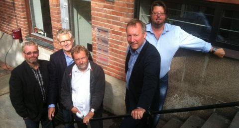 KJØPES OPP: Telemark Group kjøper opp TS Group. Fra venstre Rolf Hegna, Kai Gudmundsen, Rolf Løvsjø, Bjarne Moursund og Bjørnar Jakobsen.De tre førstnevnte var gründere av TS Group mens Moursund og Jakobsen har drevet fram Telemark Group.