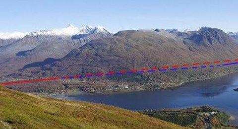 RAMFJORD: Tegningen viser hvor en øvre trasé i Ramfjorden kan ligge i terrenget.