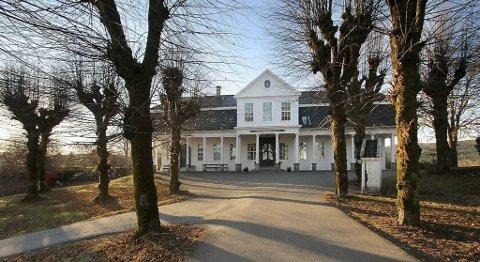 Den staselige eiendommen Thomas Erichsens Minde er til salgs med en prisantydning på 12 millioner kroner.
