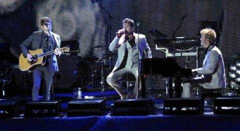 LIVEUTGIVELSE: Paul, Morten og Magne holdt fire utsolgte avskjedskonserter i Oslo Spektrum i november og desember i fjor. Her fra bandets aller siste konsert i Bergen, på Brann Stadion 28. august.