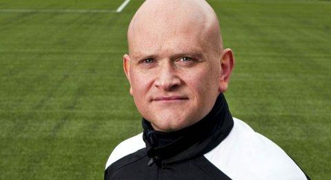Løv-Ham-trener Tom Mangersnes tror det er mulig å karre seg opp på trygg plass på tabellen.