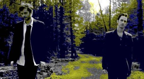 DUO: Paul Waaktaar-Savoy og Jimmy Gnecco under innspillingen av musikkvideoen til «Weathervane».