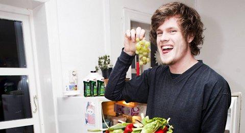 Håvard Hulløen (22) finner maten sin i kontainere utenfor matvarebutikker.