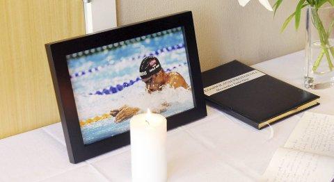 Det er opprettet minnefond i Alexander Dale Oens navn etter svømmestjernens bortgang.