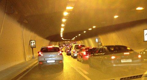 Tett trafikk i Damsgårdtunnelen onsdag ettermiddag.
