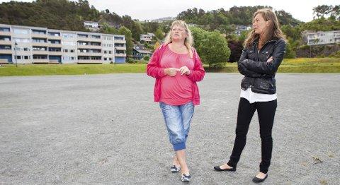 Beate Didrikson og Grethe Olsen er skuffet over at det ikke blir noe Sankthans-feiring på Ortunbanen på lørdag. - Dugnadsånden er nesten helt borte, sier Olsen.