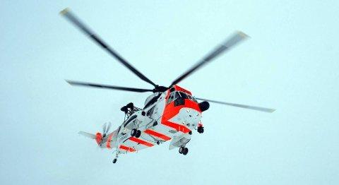 Hovedredningssentralen (HRS) har sendt helikopter til stedet.