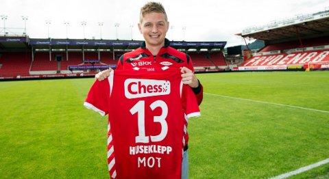 Erik Huseklepp scoret og hadde en assist i comeback-kampen mot Stabæk. Her fra signeringen forrige tirsdag. (Arkivfoto)