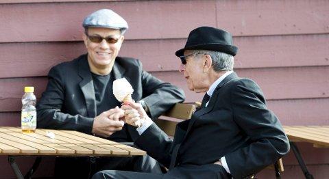 Leonard Cohen vil heller spise soft-is enn å snakke med BA.