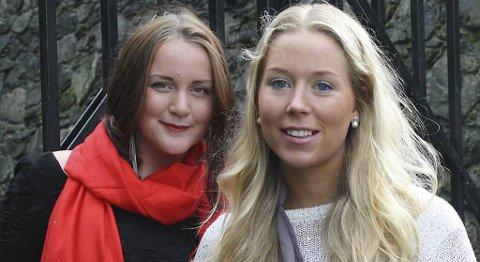 Monica Pettersen (21) (t.v.) og Ida Johanne Bohmann (22) er klare for Leonard Cohen på Koengen i Bergen (28.08.2012).
