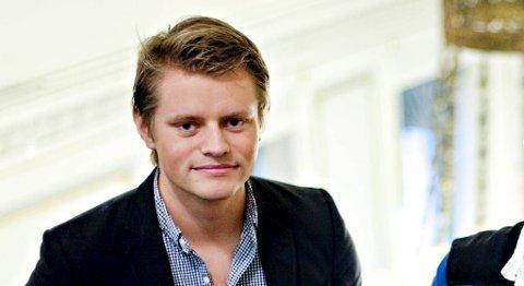 Høyres Peter Christian Frølich sier han gjerne vil snakke med De Grønnes Øystein Bønes etter mandagens «bombedrama». (Arkivfoto)