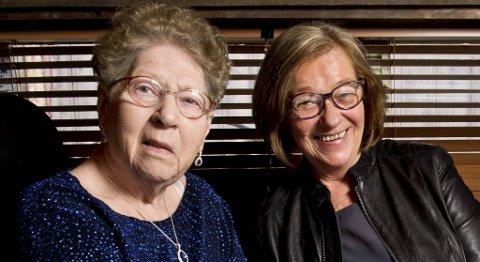 Wenche Kronhaug med sin mor Gudrun. - Jeg klarer dessverre ikke å kalle henne for mor, fordi jeg er oppvokst med en annen mamma. Men det er helt fantastisk at jeg endelig har funnet henne.