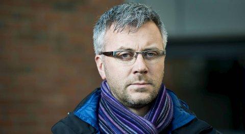 Pressekontakt i Statoil, Ola Anders Skauby, informerte pressen ved pårørendesenteret på Kokstad.