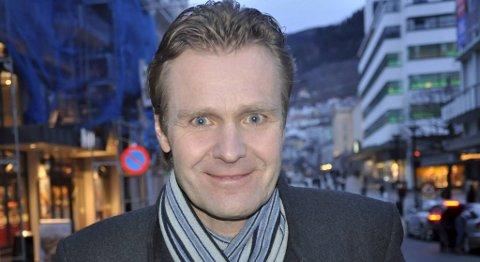 Erik Wold er programleder for Debatten, som sendes direkte fra Litteraturhuset i Bergen torsdag kveld.