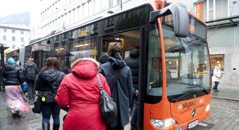 Skyss vil at du skal ta buss til sentrum i steden for bybane fra Lagunen. Bybanen er allerede full og kapasiteten kan ikke økes før Skyss får lengre vogner.