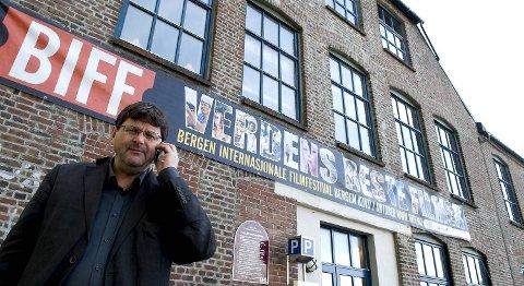 -Det er klart det er en katastrofe, sier BIFF-sjef Tor Fosse om at Film & Kino vil halvere støtten til filmfestivalen.