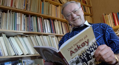 1935-2013. Anders Bjarne Fossen skrev utallige bøker og historiske verker. Her er han avbildet i en sak i BA i 2006.