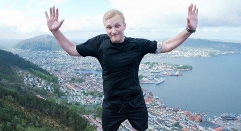 Marius Stenfelt på toppen av Stoltzen.