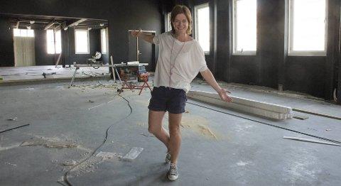 -Her er kronjuvelen i ferd med å bli ferdig, sier Linda Børnes om hovedsalen i Cornerteateret. Hun håper det nye teateret vil øke kvalitet og volum på sceneproduksjoner i Bergen.
