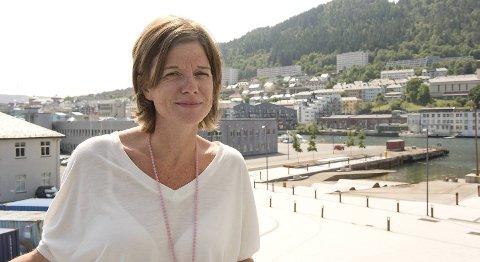 Fra toppen av trappen på Cornerteateret er det utsikt over Damsgårdssundet, der det skal komme gangbro.