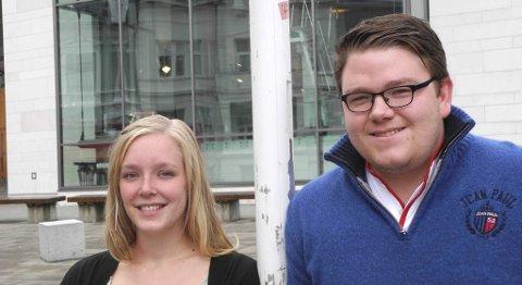 Hilde Kristine Moe og Tommy Aarethun ved Studentparlamentet på  UiB