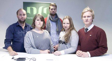 Fra venstre: Anders Veggeland (leder av Studentparlamentet HiB), Anna Gjertsen (leder av Velferdstinget i Bergen), Trygve Lehne (Kjernestyret NHH), Camilla Hermansen (leder Studentparlamentet NLA), Bjørn Kristian Danbolt (leder av Studentparlamentet UiB)