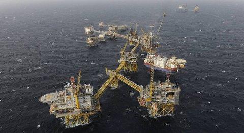 I Nordsjøen pumpes det opp milliarder av kroner hver dag. Nå vil oljeservicearbeiderne har mer av kaken. Her Ekofisk Complex. FOTO: ConocoPhilips
