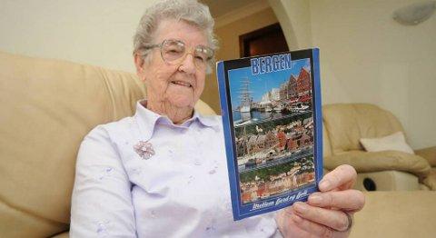 Eileen Parry sier til BA at hun ikke skjønte noe som helst da postkortet fra Bergen kom.
